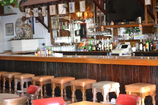 Las Palmas Hotel: Enjoy our International Restaurant and Bar