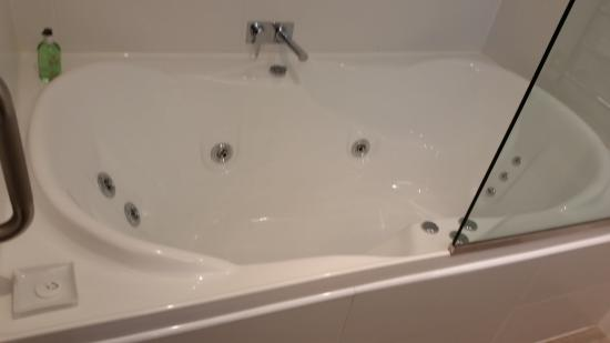 Bluestone on George: Double spa bath