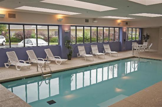 La Quinta Inn Suites St Louis Airport Riverport Updated 2018 Prices Hotel Reviews