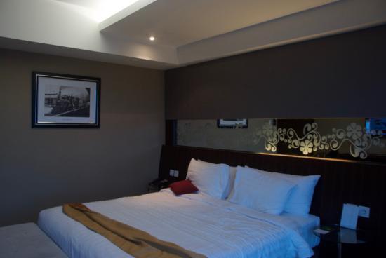 deluxe picture of aston madiun hotel conference center madiun rh tripadvisor com