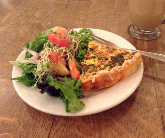 Michelle's Cafe: The quiche is fabulous