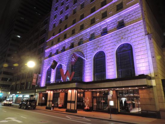 Exterior night picture of w chicago city center for Trendiest hotels in chicago