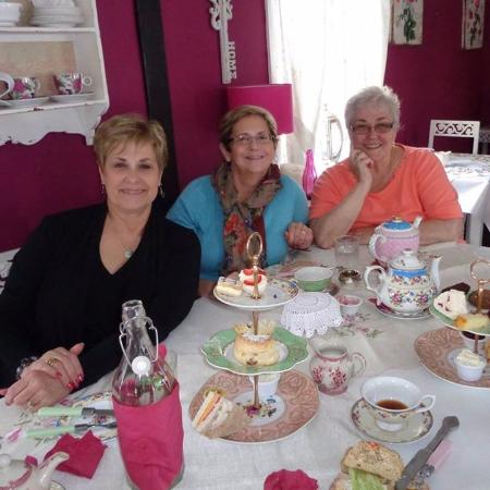 Adare's Old Creamery Gift Co.: Afternoon tea at Miss Crumpets!