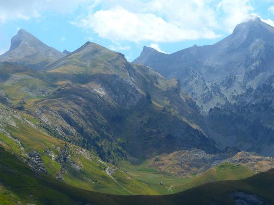 Hecho, Espanha: Hiking above Refugio de Linza