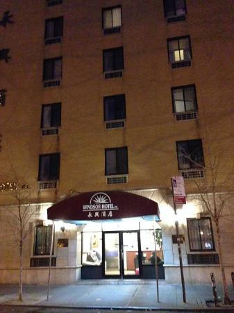 abat jour d chir picture of windsor hotel new york city tripadvisor. Black Bedroom Furniture Sets. Home Design Ideas