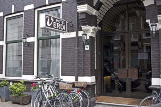 Hotel Verdi: Frente del hotel