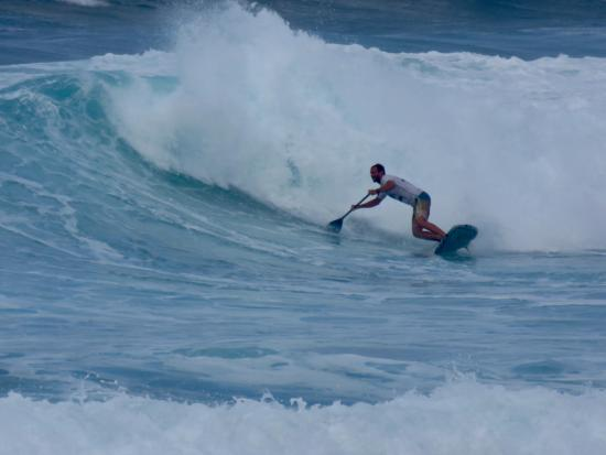 Soup Bowl: paddle board surfing!