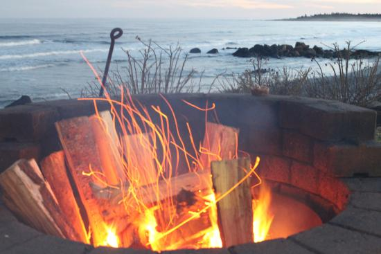 Southwest Nova Scotia, Canadá: Fire pit over beach