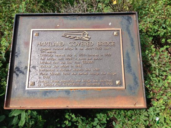 Hartland, Kanada: Marker with the high points af the bridge