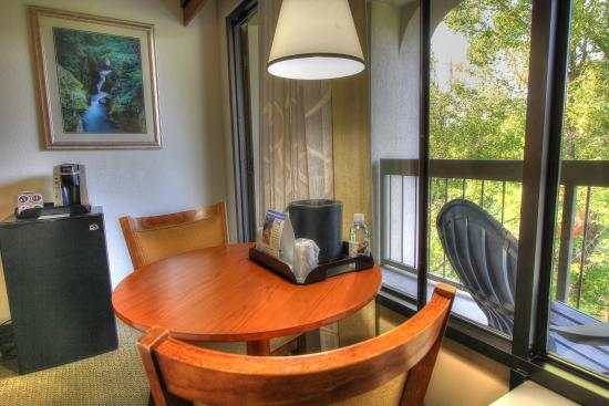 riverside table and chairs blacony mini fridge picture of the inn rh tripadvisor co uk
