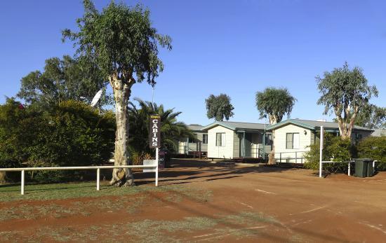 Cooper Cabins: Entrance