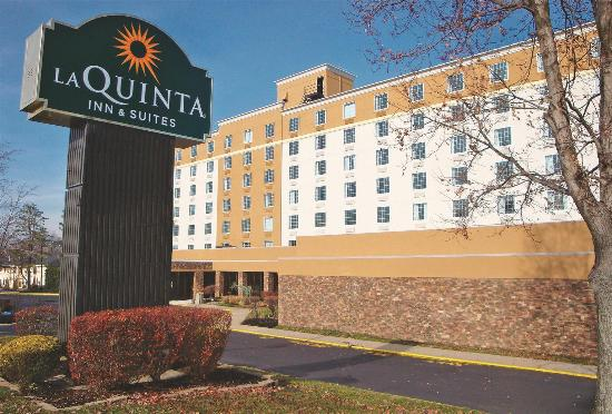 Runnemede Inn & Suites