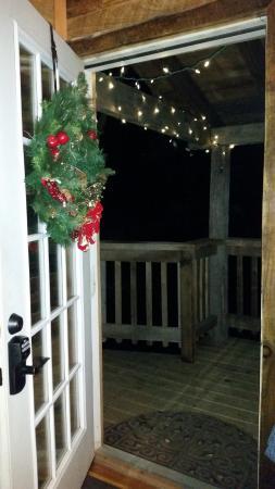 Glenmont, OH: Front Door View