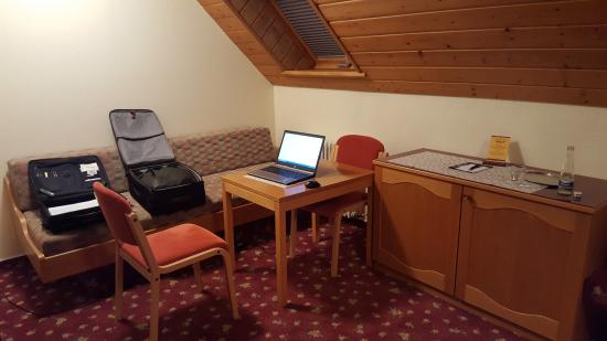 Hotel Kirnbacher Hof: Ein uraltes und nicht sauberes Zimmer