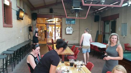 Royal Hotel Corowa Pub