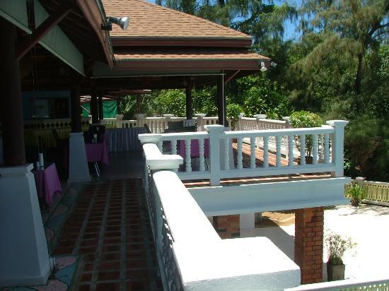 Arayaburi Boutique Resort: The dining area