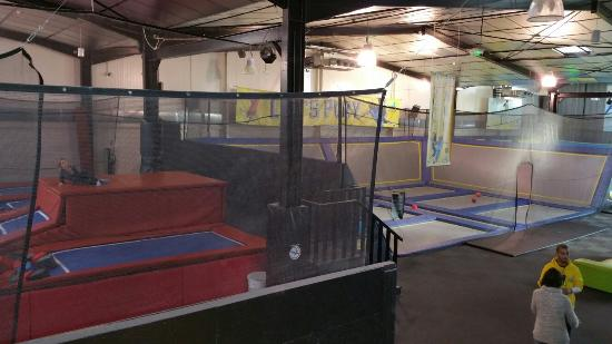 ta img 20151230 103627 photo de trampoline park let 39 s jump bordeaux bordeaux. Black Bedroom Furniture Sets. Home Design Ideas