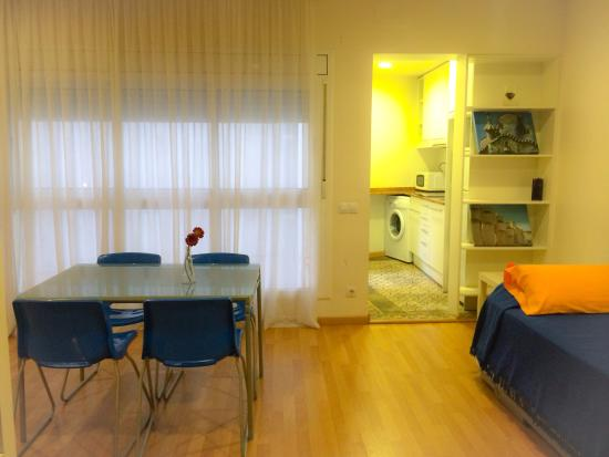 Barcelona City Apartment: Salón-comedor