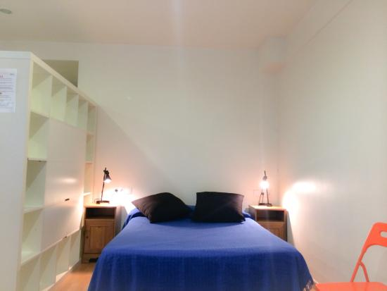 Barcelona City Apartment: Cama doble
