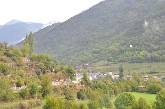 Hotel El Mirador: View from our room: Broto