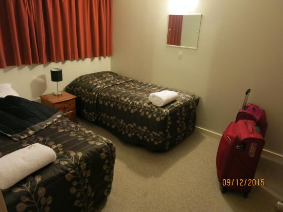 Aorangi Motel: bedroom2