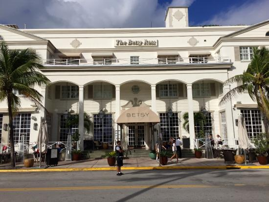 The Betsy - South Beach: Hotel front