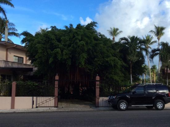 Kolonia, Ηνωμένες Πολιτείες της Μικρονησίας: Hotel gate