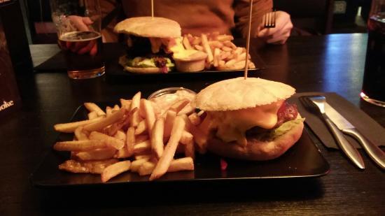 Seinajoki, Finlandia: Hyvät burgerit!