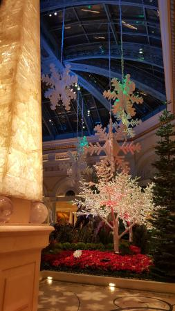 bellagio las vegas christmas decorations - Las Vegas Christmas Decorations
