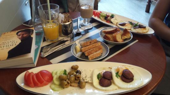Baristas Fusion Cafe