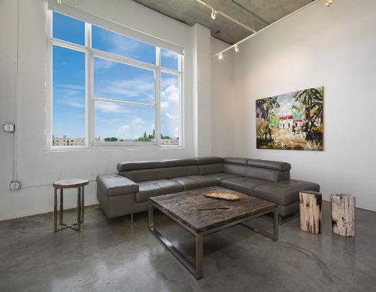 Fortom Gallery