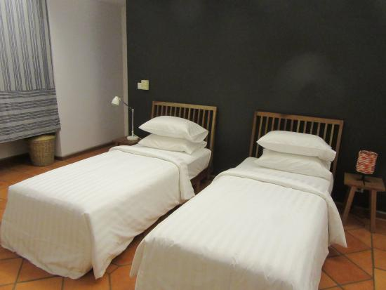 Sala Bai Hotel School: Room
