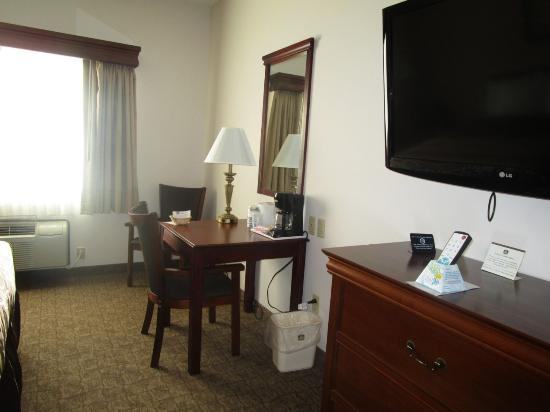 Brookfield, MO: room