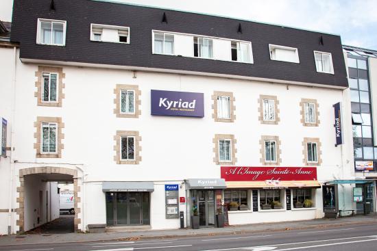 Kyriad Vannes Centre Ville : Façade Kyriad Vannes Centre