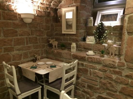 Hotel Villa Marstall: Breakfast dining - in the basement