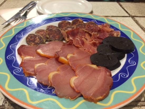 Bar Tapas: Tapas - mixed meats