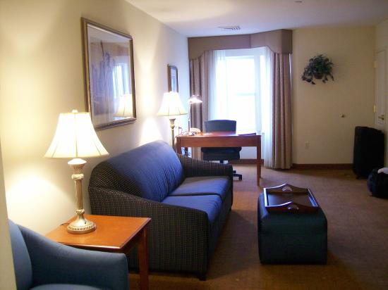 Homewood Suites by Hilton East Rutherford-Meadowlands: Large Living Room (sleeper sofa) and Work Desk in Suite
