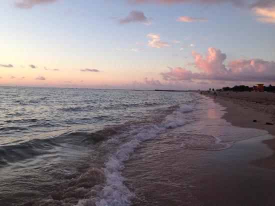 Dream South Beach Photo