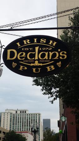 ‪Declans Irish Pub‬