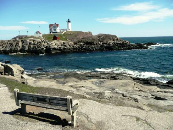Cape Neddick Nubble Lighthouse: Relaxing Views