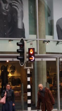 Miffy's Traffic Light