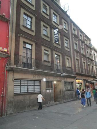 Hostel Amigo: Puerta