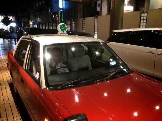 タクシードライバーの勤務形態からみる違い4つ|メリットデメリット