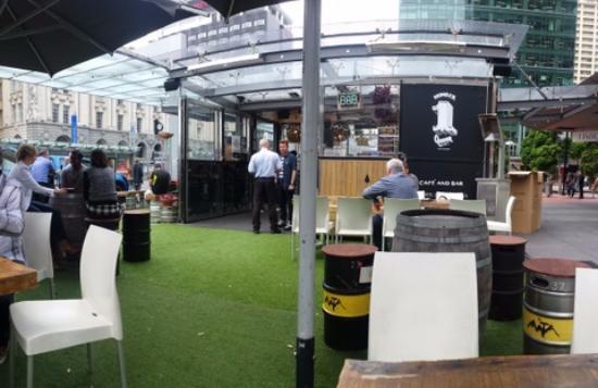 Queen Street Corner Cafe and Bar: Queen Street Corner cafe