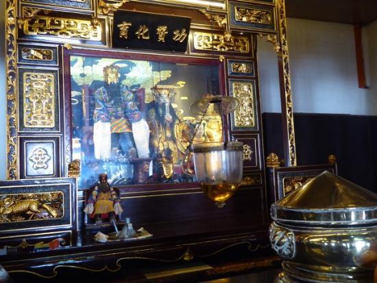 Cheng Hoong Teng Temple : Un altare laterale