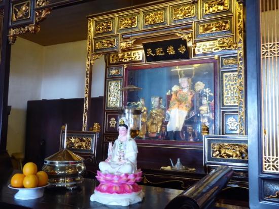 Cheng Hoong Teng Temple : Uno degli altari laterali