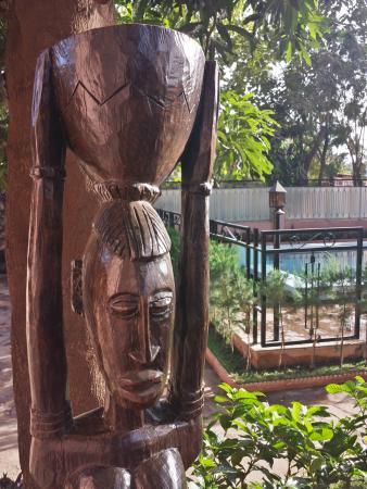 Hotel Tamana: More woodwork