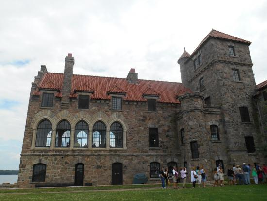 Hammond, NY: Singer Castle on the St. Lawrence River by shuttle, call us.