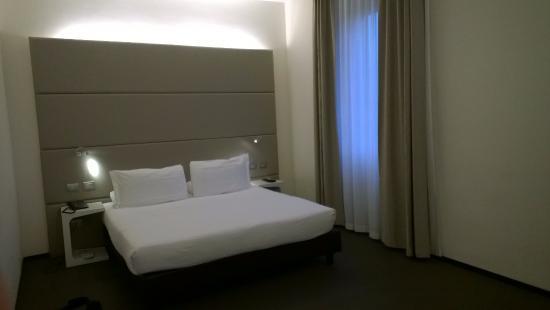 Hotel Cenacolo: letto