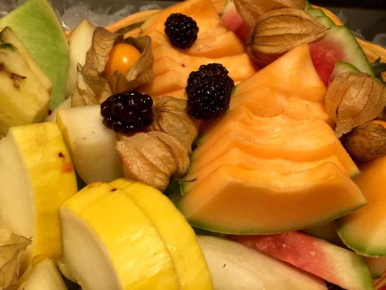 Orford, Canadá: Fruit salad for breakfast